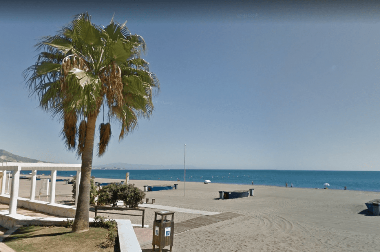 playa del castillo en fuengirola
